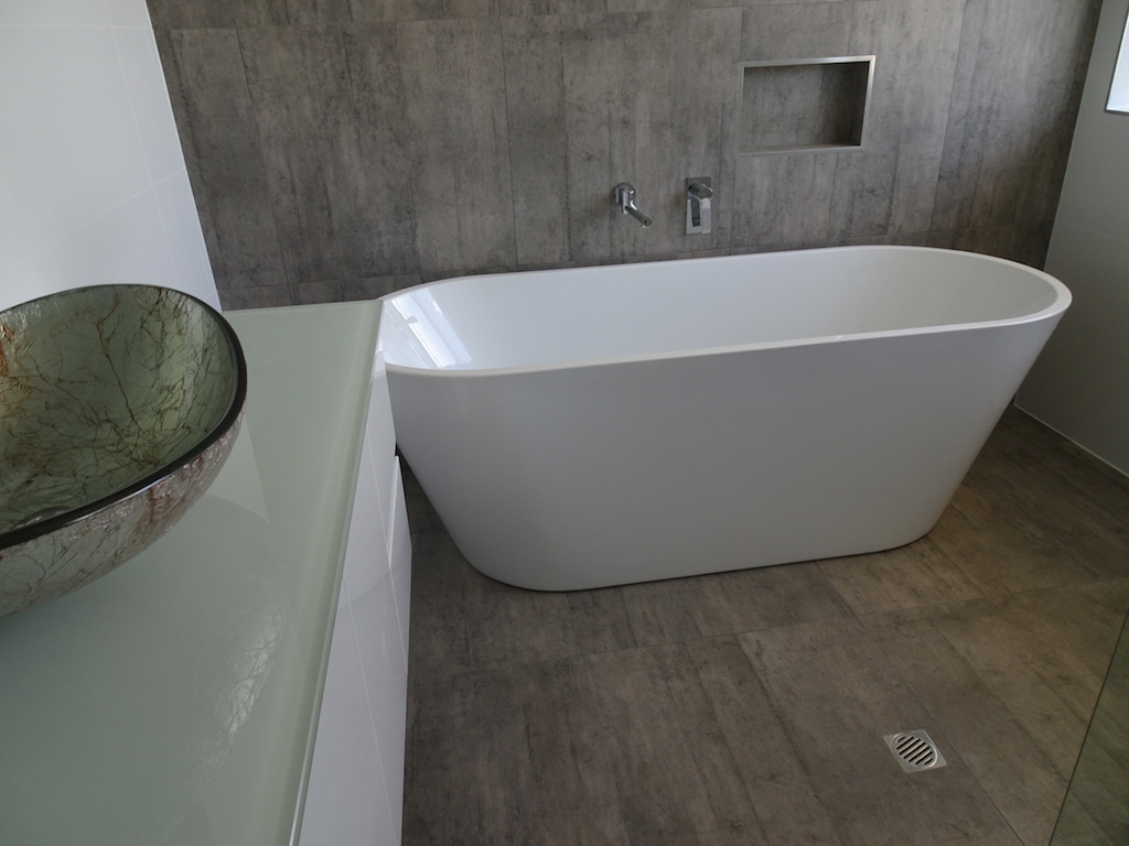 Contempory Bath Installation