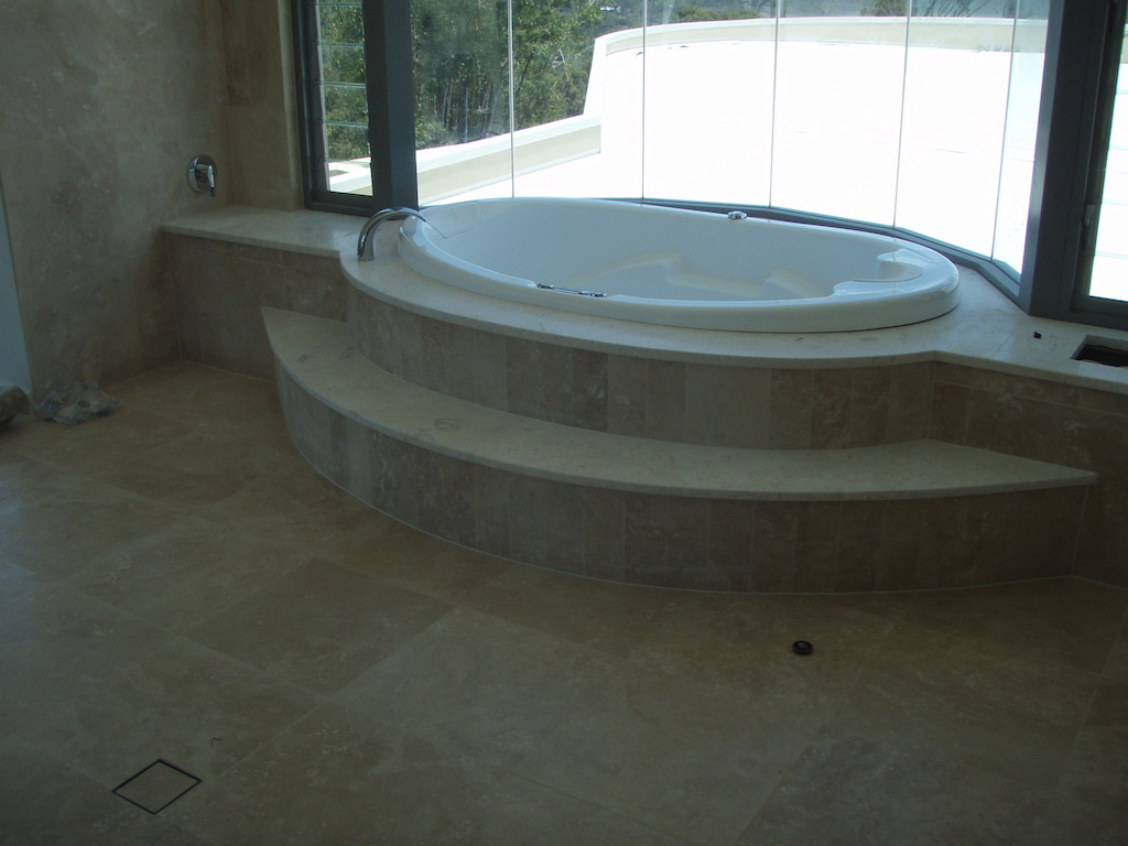 Raised And Sunken Luxury Bath